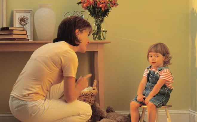 Dạy con: Đừng đánh mắng, đây mới là 5 cách phạt con khoa học giúp trẻ ngoan ngoãn, thông